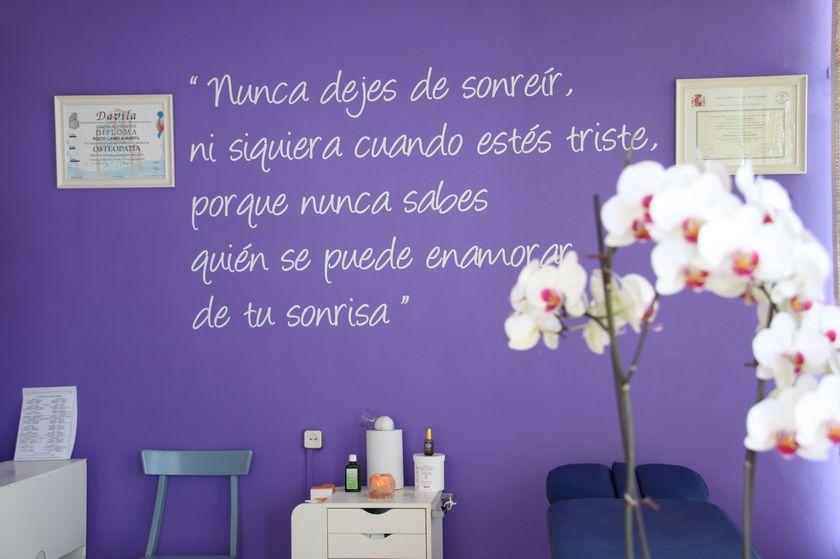 SONRIE: esta es una de nuestras salas del centro de masaje y fisioterapia de hortaleza, madrid