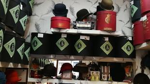 Sombreros de señora y caballero en Madrid