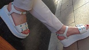Sandalias para mujer en Tarragona
