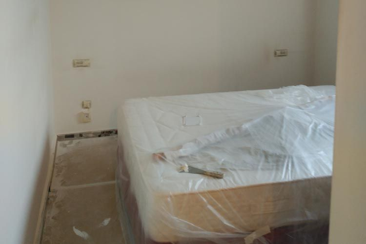 Proceso de pintura de dormitorio en Terrassa