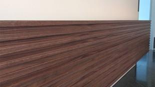Detalle de mostrador de madera en Sant Antoni de Vilamajor