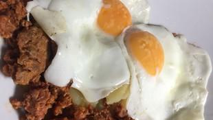 Huevos con picadillo en Ávila