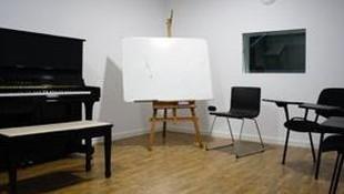 Sala insonorizada para música, clases de solfeo