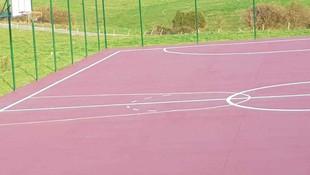 Tratamiento de pista deportiva en Ongayo Suances