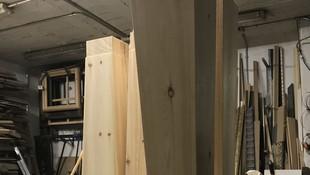 No solo fabricamos marcos artesanales, si no también columnas y mucho más.