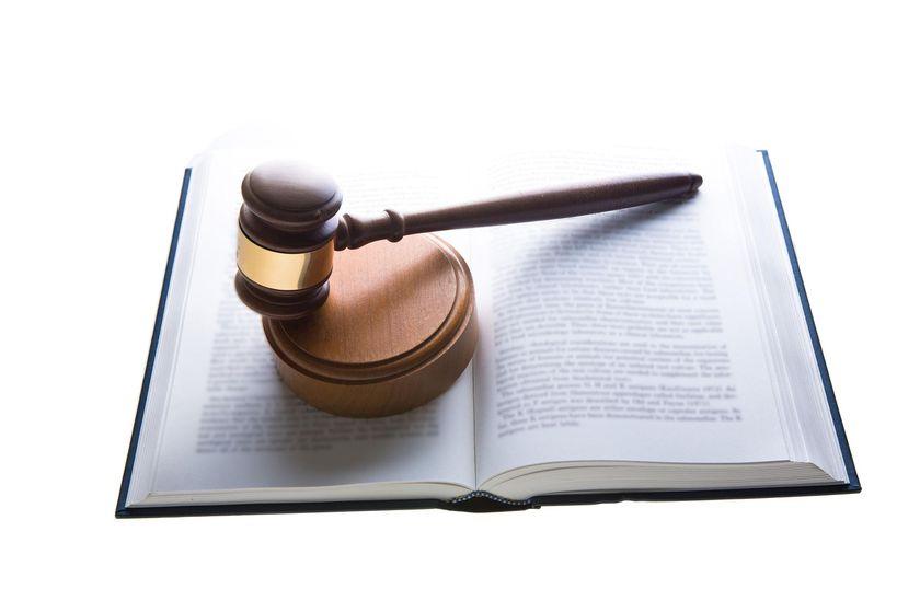 Bufete de abogados serio y profesional