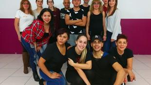 PARTE DE NUESTRO GRUPO DE NIVEL 1 DE BACHATA CON NUESTROS PROFESORES MARCOS E ISA