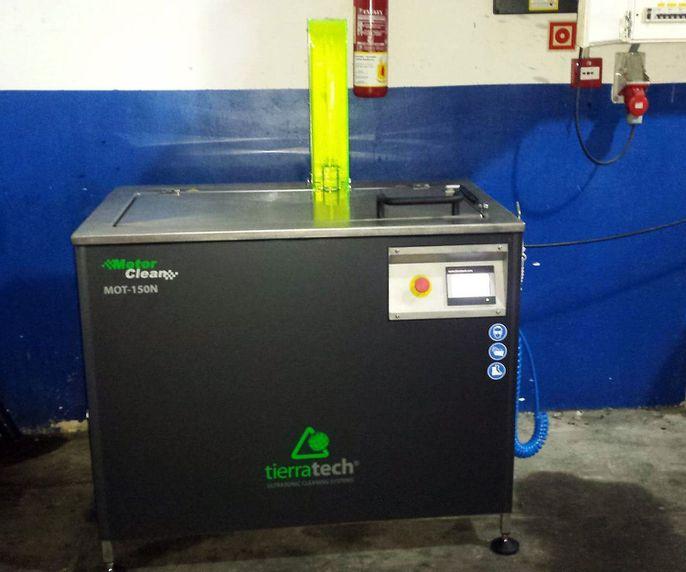 Máquina de ultrasonidos para limpieza de piezas