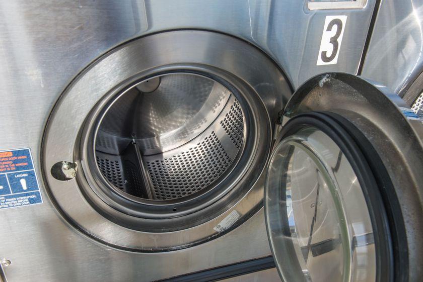 Maquinaria para lavanderías y tintorerías en Cádiz