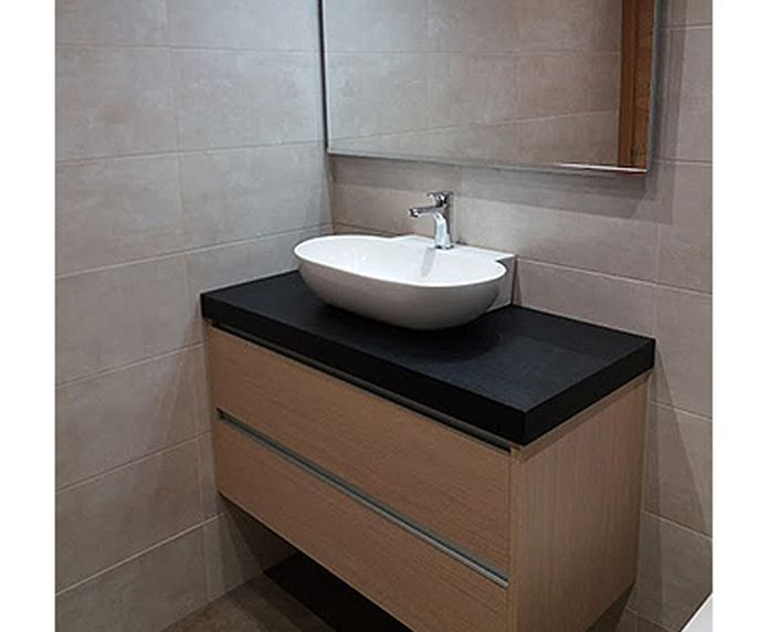 Montaje de muebles de baño en Erandio