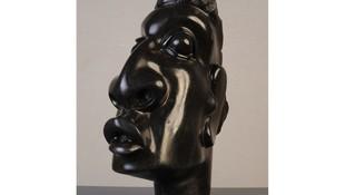 Head. 39 X 14 cm, Wonder Luke