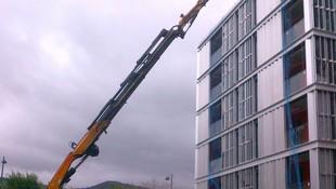 Izado de materiales en viviendas de sarriko Bilbao