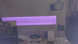 Estateria iluminada por tira de LED de 14w, con regulación de intensidad de luz y diferentes tipos de colores