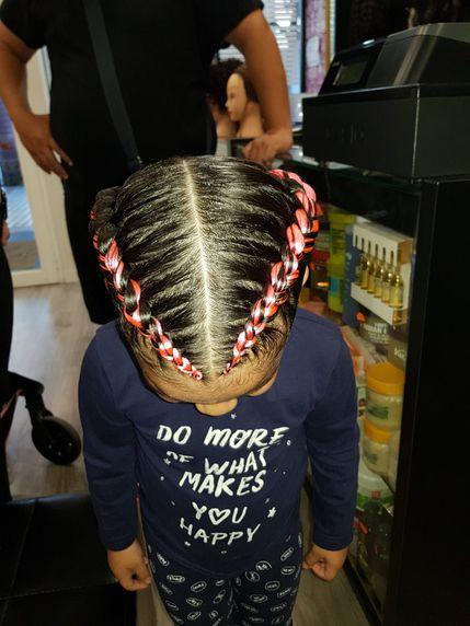 En La María realizamos toda clase de cortes, peinados, tintes, etc.