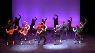 Actuación de los alumnos de la escuela de danza Duque