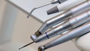 Cirugía dental en la clínica de Leandro Romero Esteban