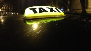 Servicio de taxi permanente 24 h