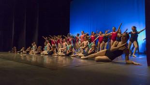 Algunas de las alumnas que se presentaron a los examenes oficiales de Ballet.