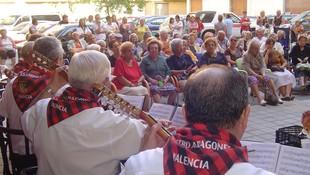 Rondalla en Instituto Geriátrico Valenciano