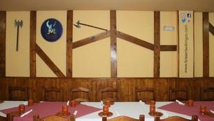 Restaurante con ambiente agradable y acogedor