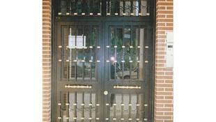 Puertas de comunidades en Fuenlabrada