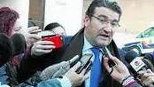 D. Manuel Martos tras ganar la querella que le presentó el letrado del SAS por defender a los eventuales del Servicio Andaluz de Salud.