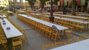 Sillas y mesas para comidas populares