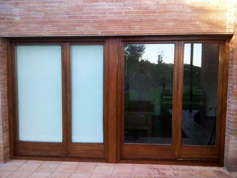 Restauración de puertas de portales de madera en Mallorca