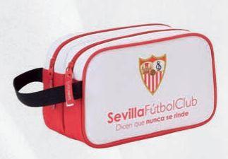 Neceseres con licencica de equipos como el Sevilla o el Barca