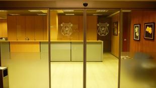 Entrada a la Notaría José Miguel Avello en Zuera (Zaragoza)