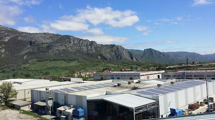 Energías renovables, fotovoltaica para autoconsumo en empresa Trefilados de Navarra