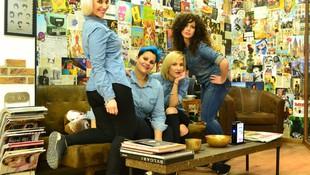 Sandra, Beatriz, Alex y Elena