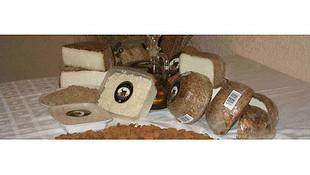 Queso de cabra artesanal procedente de leche de cabra murciano - granadina
