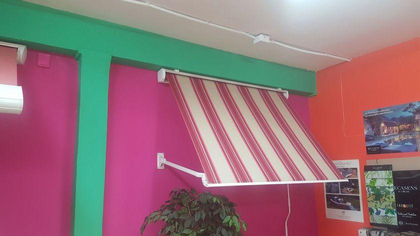 Instalación de toldos para tiendas en Madrid