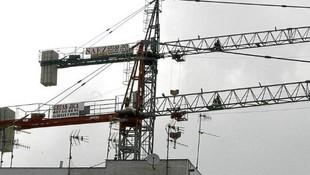 Grúas torre para la construcción en Ibiza