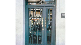Instalación de puertas de comunidades en Fuenlabrada