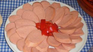 Salchichas cocidas y con queso elaboración propia