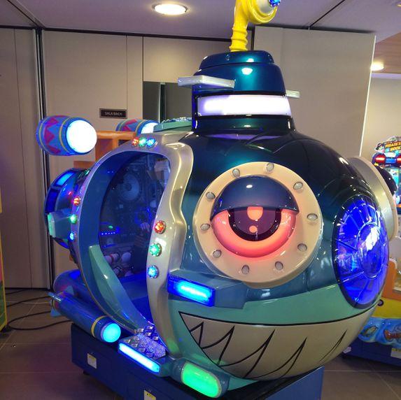 Submarino hidráulico con pantalla