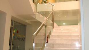 Diseño de interiores para edificio de oficinas