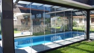 Cortinas de cristal para piscinas
