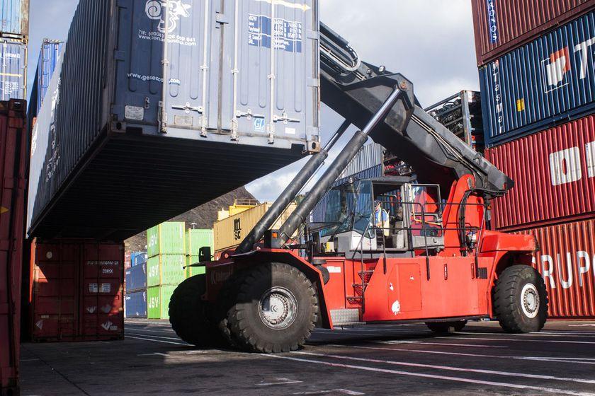 Servicio de exportación con Champions International Transports & Moving en Tenerife