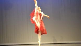 BERTA bailando COPPELIA
