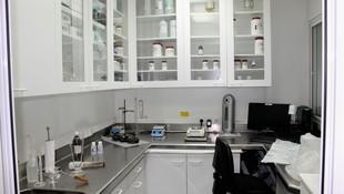 Farmacia con laboratorio